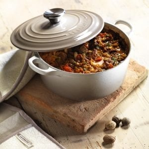 F-Le-Creuset-Nutmeg-Casserole-Beef-Cover-V2_50052