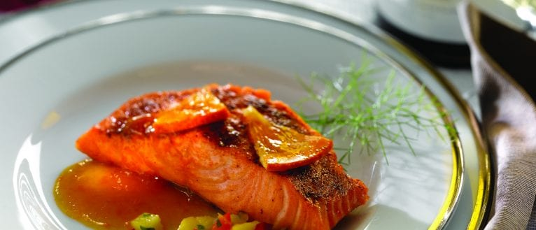 Orange-glazed salmon fillets with mango salsa - ILoveCooking