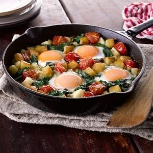Sauteed-Potatoes-with-Spinach-and-Eggs