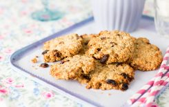 Healthier Treats For Kids, Sharon Hearne Smith, healthy Oat & raisin cookies, healthy cookies, I love cooking videos