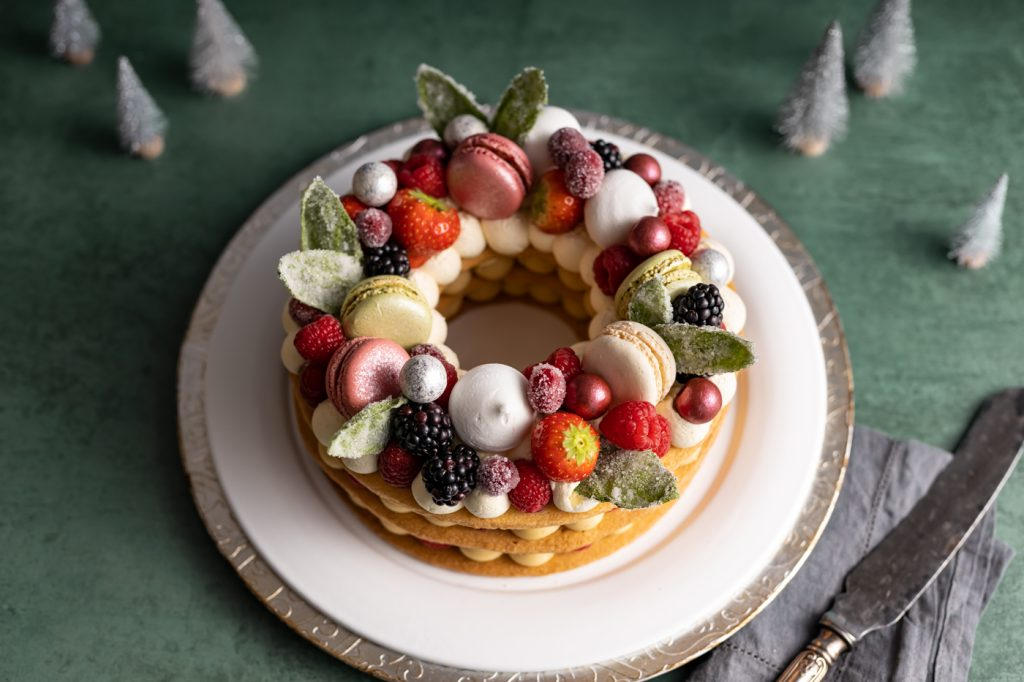 Christmas Shortbread Wreath Cake